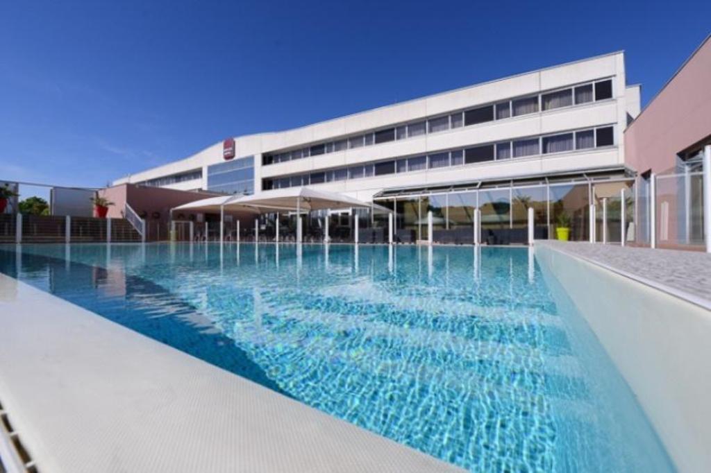 Best Western Plus Hotel Admiral Lyon Ouest In L Arbresle