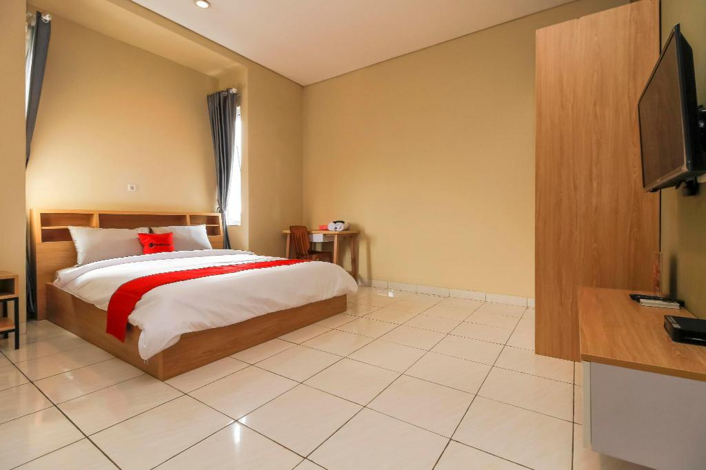 RedDoorz Room - View
