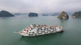 10 Best Halong Hotels: HD Photos + Reviews of Hotels in
