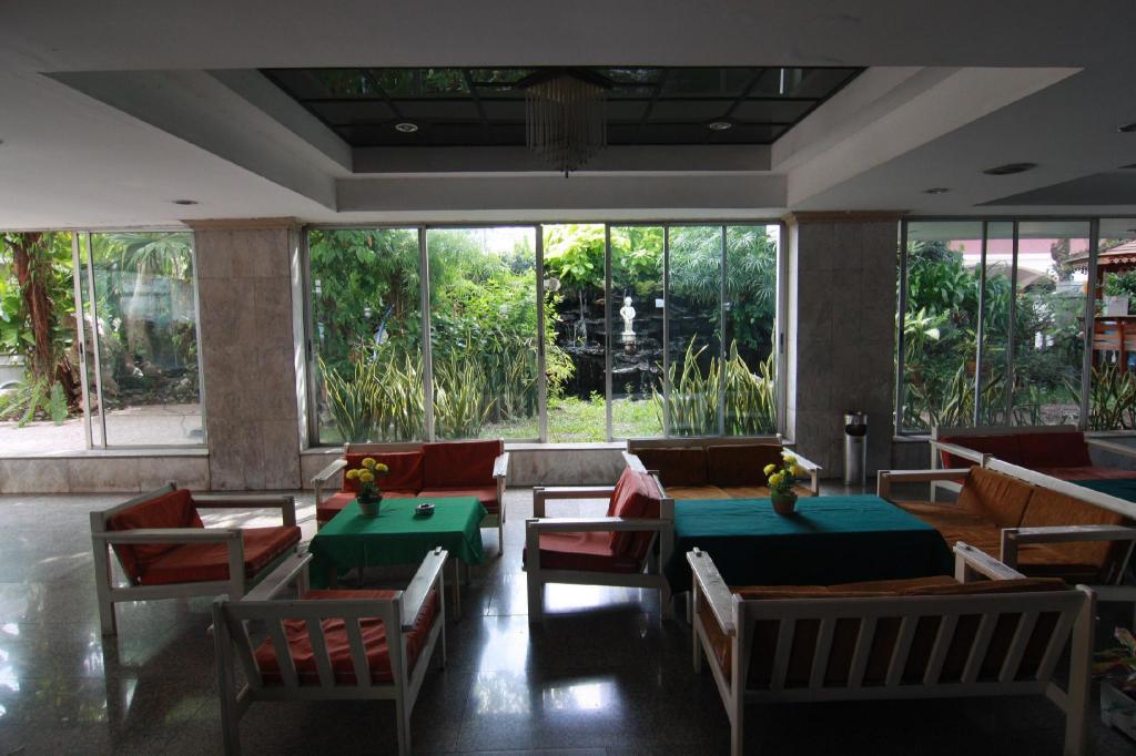 Apartment 105 M 2 Schlafzimmer Und 2 Eigene Badezimmer In Pattaya Beach Road Pattaya 2020 Neue Angebote Hd Fotos Bewertungen