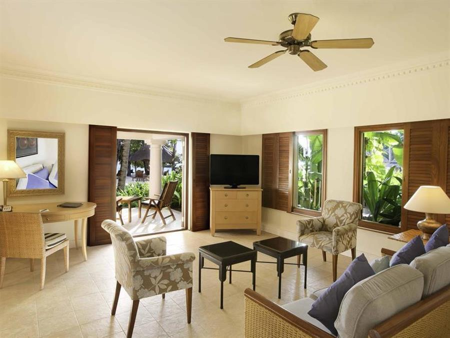 Beachfront Family Suite