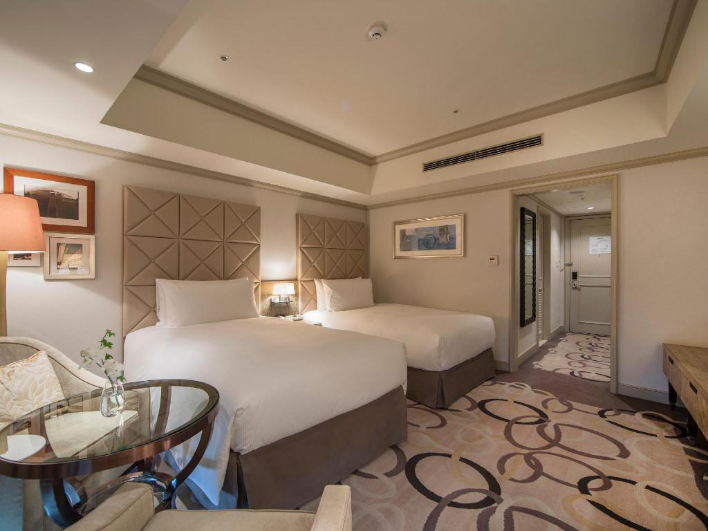 Twin Hilton Guest Room - Guestroom