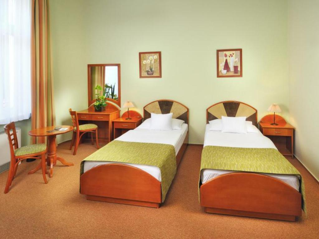 Double/Twin Room - Bed Baross City Hotel