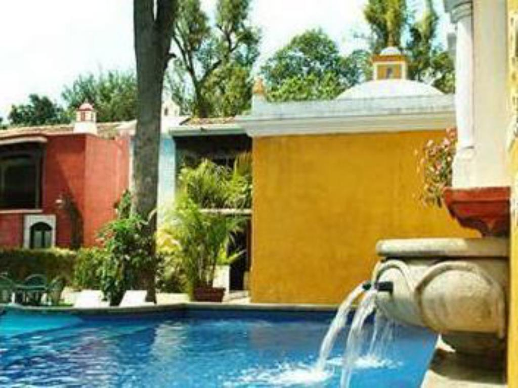 Pool Villa Colonial