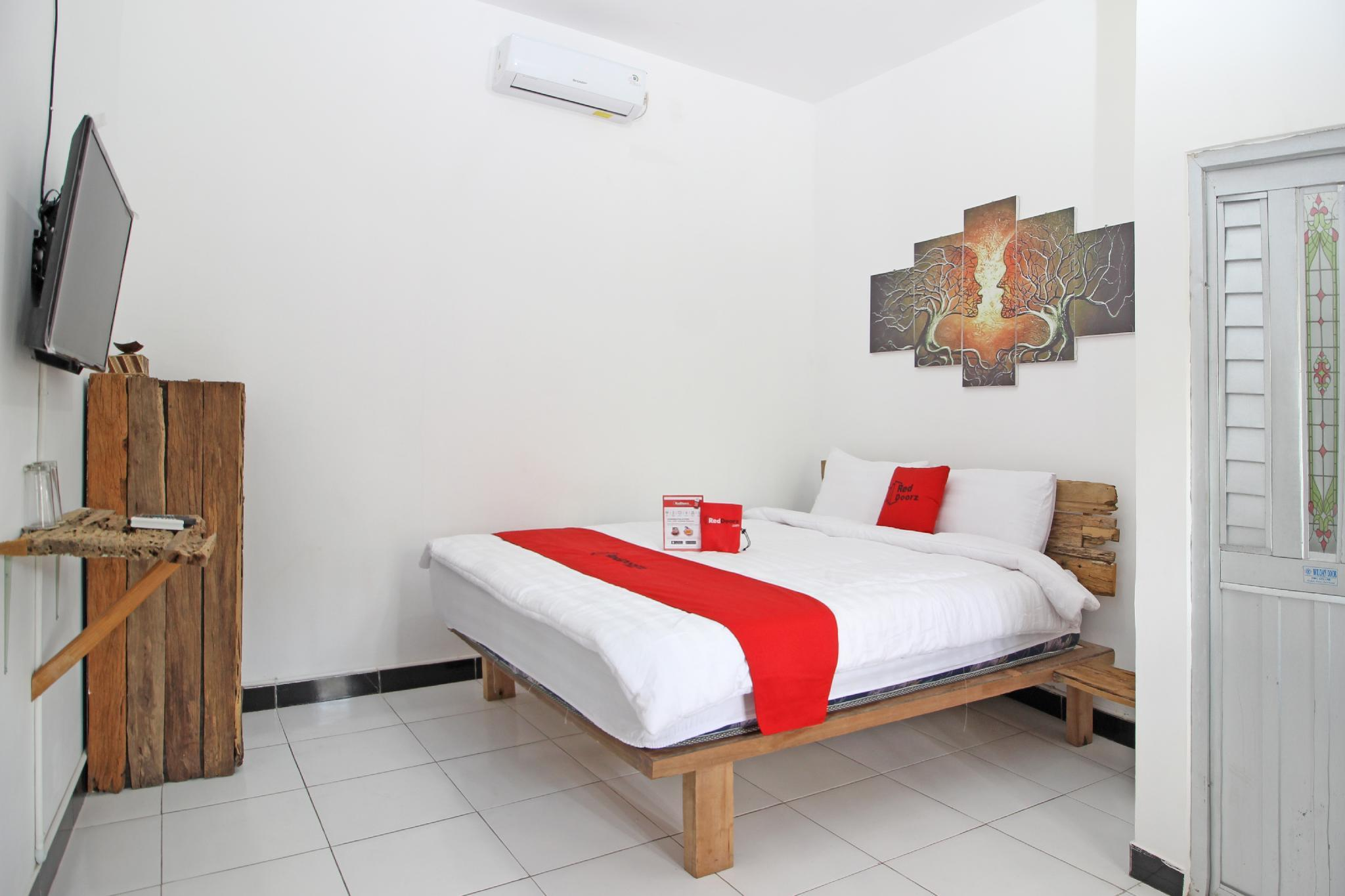 reddoorz near akmil magelang in indonesia room deals photos reviews rh agoda com