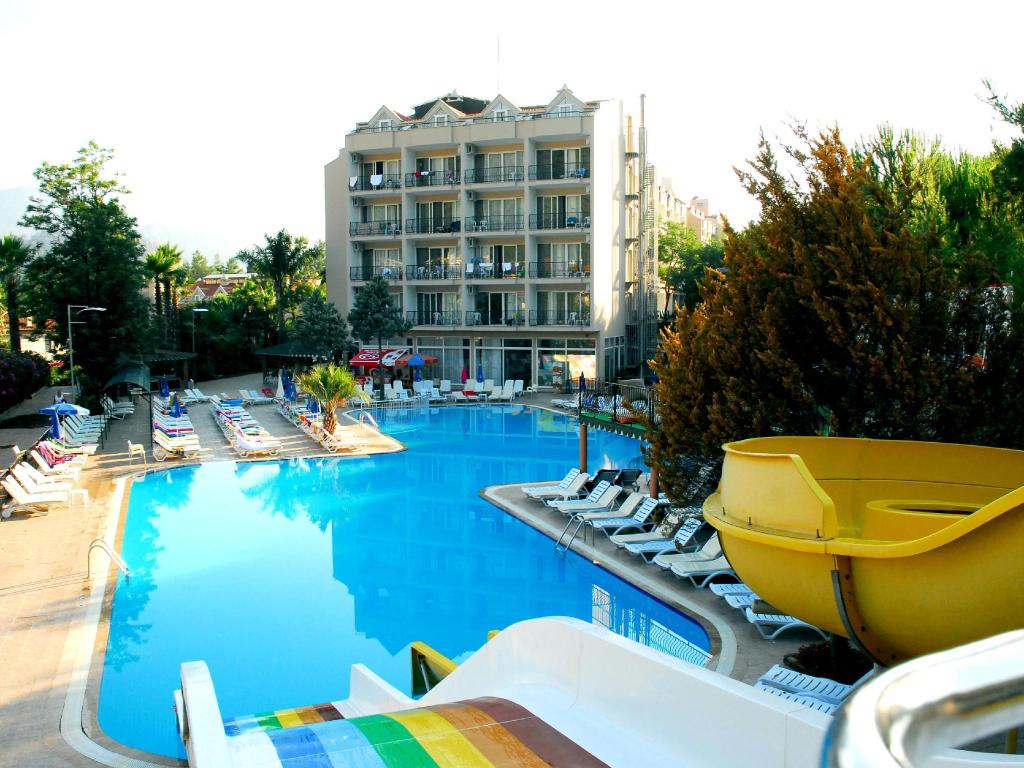 בריכת שחיה Kervansaray Marmaris Hotel