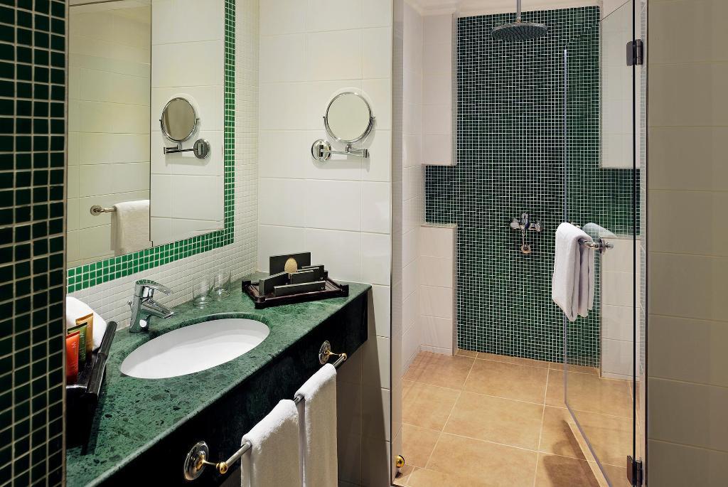Movenpick Hotel Kuwait Resort - Deals, Photos & Reviews