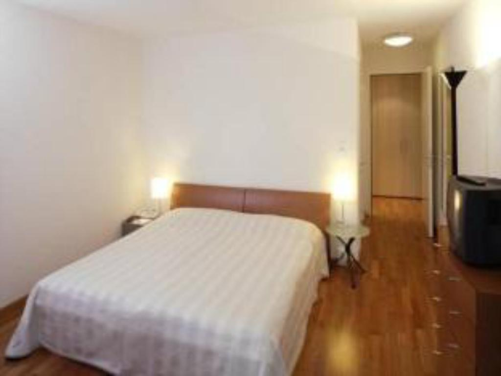 Superior Single Room with Balcony Hotel Dolder Waldhaus