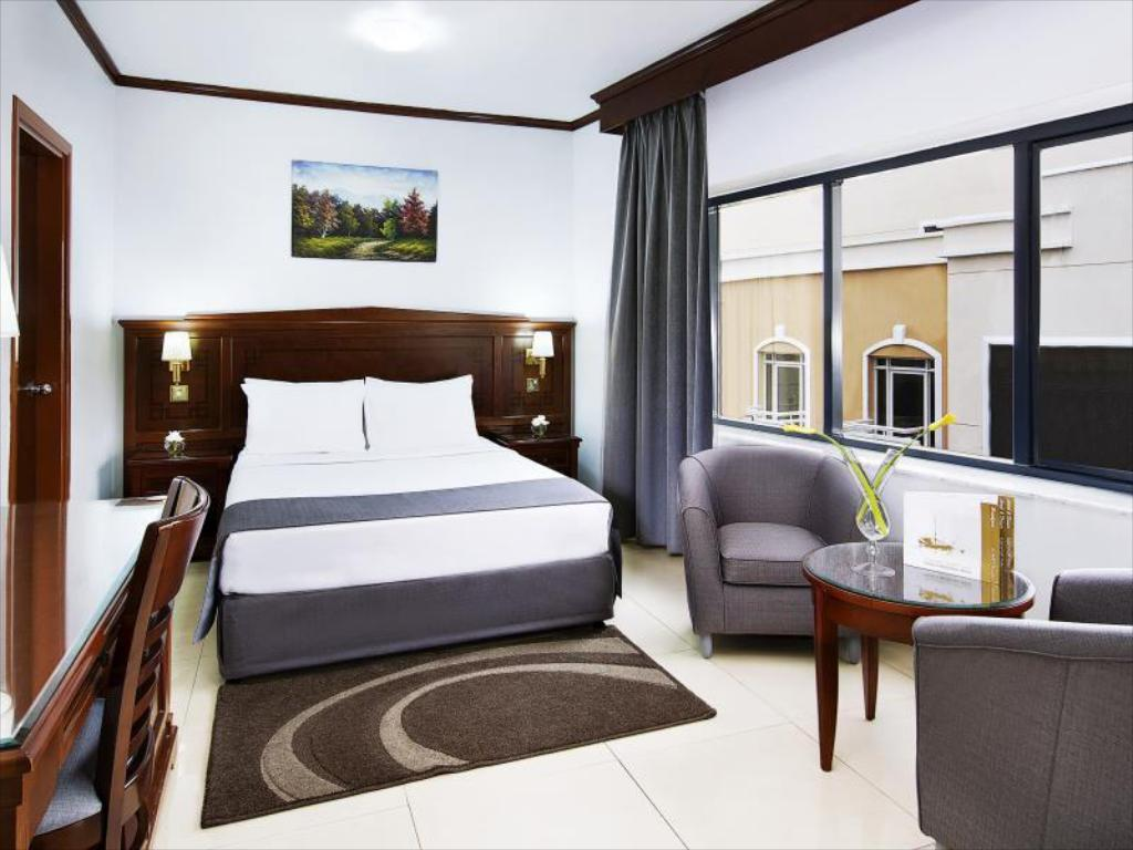 Double Room Admiral Plaza Hotel