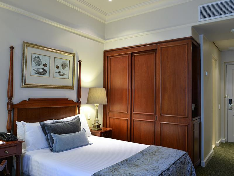 Guest room, 1 Double or 2 Twin/Single Bed(s)