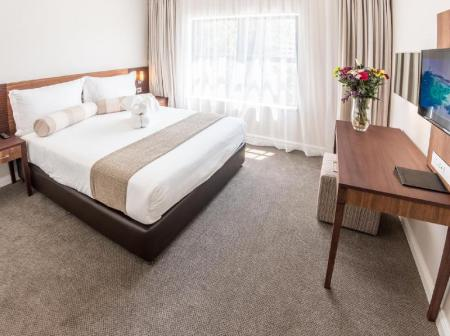 Studio - Katil Queen Courtyard Hotel Eastgate Johannesburg