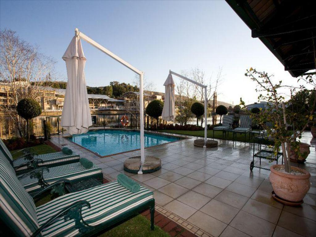 Swimming pool Courtyard Hotel Rosebank Johannesburg