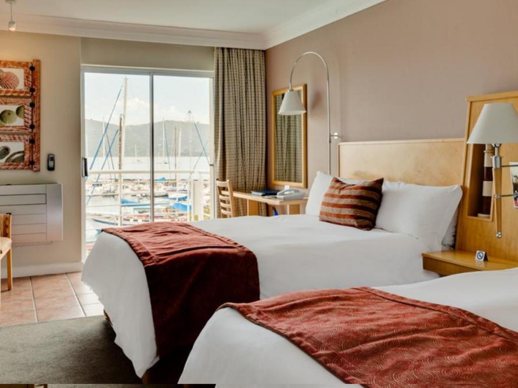 Guest room, 2 Double, Lagoon view - 床舖 普洛提亞克尼斯納碼頭飯店 (Protea Hotel Knysna Quays)