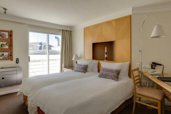 Guest room, 1 King or 2 Twin/Single Bed(s), Town view