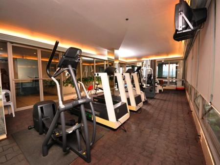 Fitness center Metrocentre Hotel & Convention Center