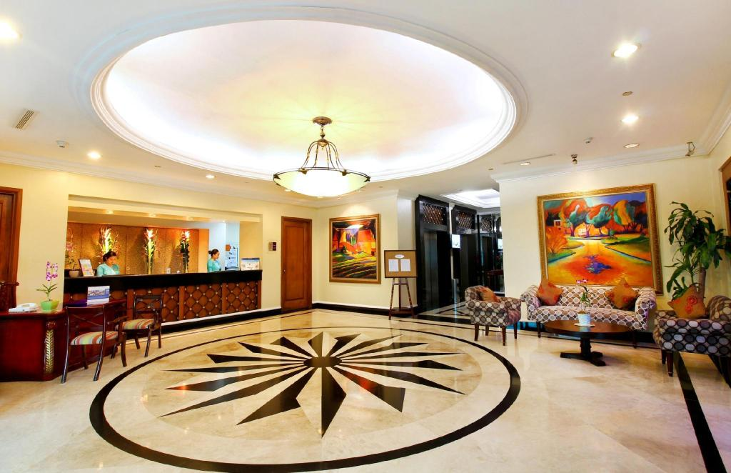 More about Oxford Suites Makati