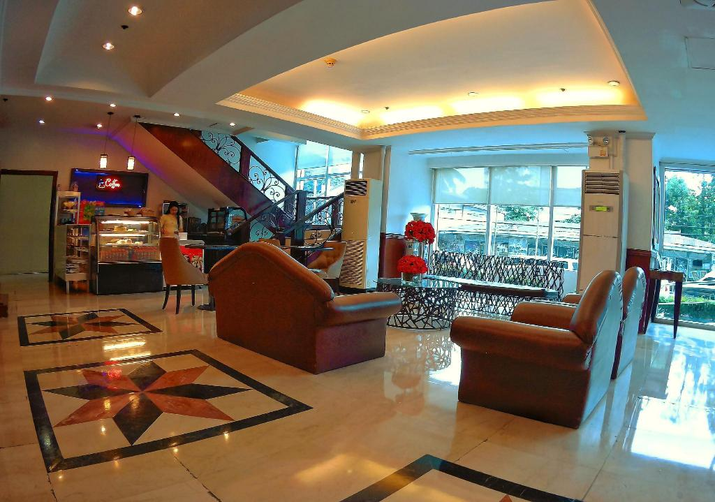Lobby Golden Peak Hotel & Suites