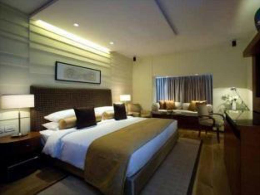 Taj Coromandel Chennai India Photos Room Rates
