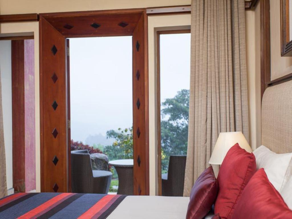 Deluxe Room - Non-Smoking - Bedroom Amaya Hills Kandy