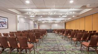 Holiday Inn Hotel & Suites Parsippany/Fairfield