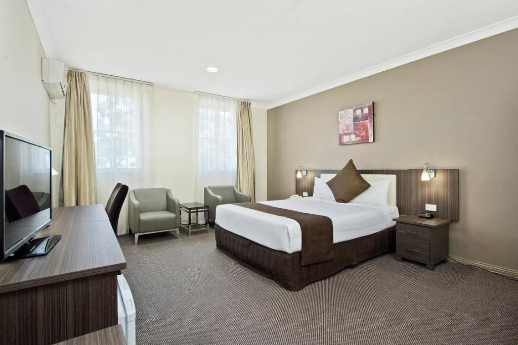 book comfort inn dandenong melbourne 2019 prices from 81. Black Bedroom Furniture Sets. Home Design Ideas