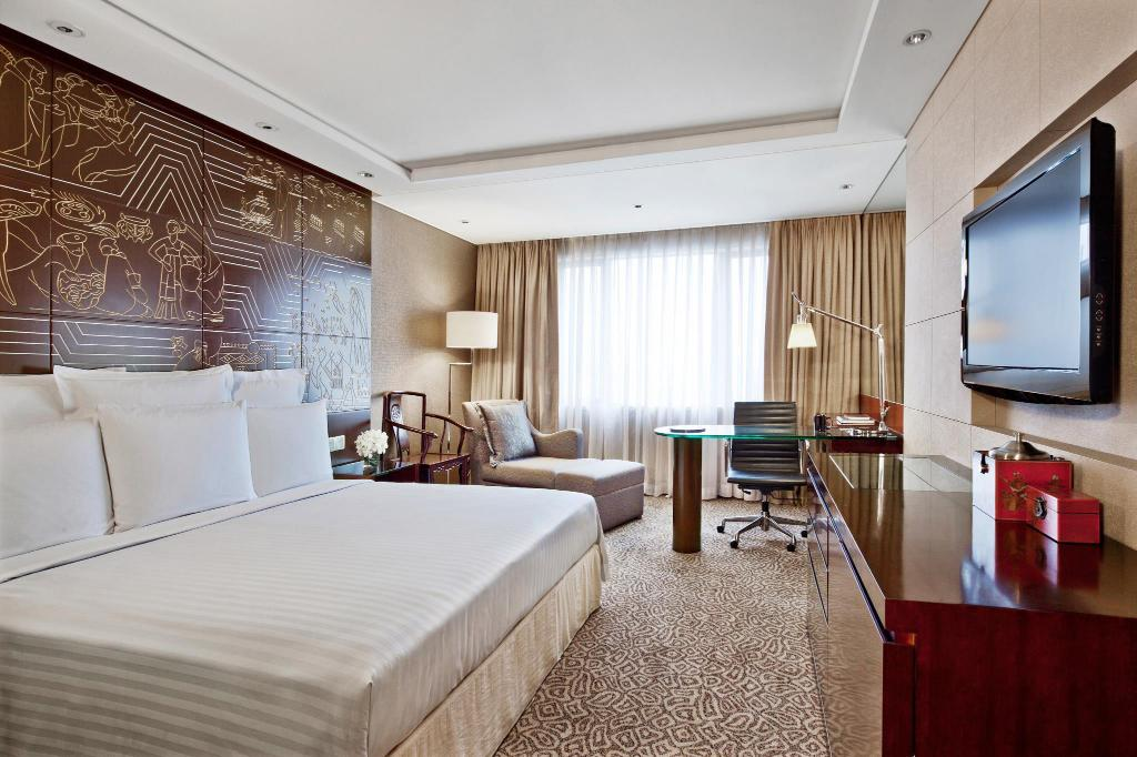 Deluxe Room, Guest room, 1 King or 2 Double - Gästrum China Hotel, A Marriott Hotel, Guangzhou