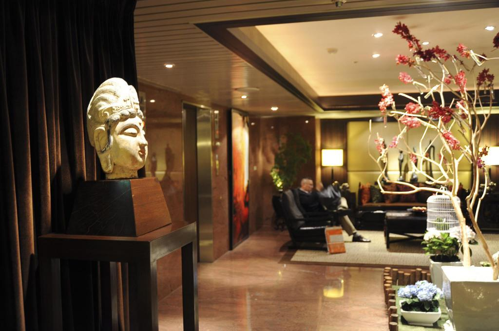 Lobby Pacific Business Hotel