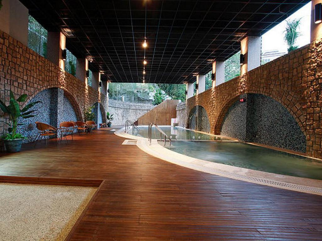 Schwimmbad Hoya Hot Springs Resort & Spa