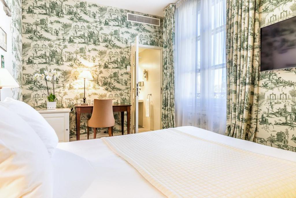 Single - 1 Person - Bed Aigle Noir Hotel
