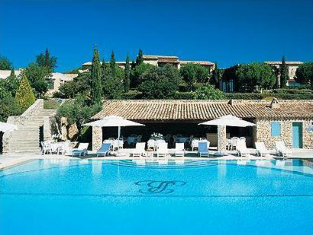 Swimming pool Hotel Les Bories & Spa