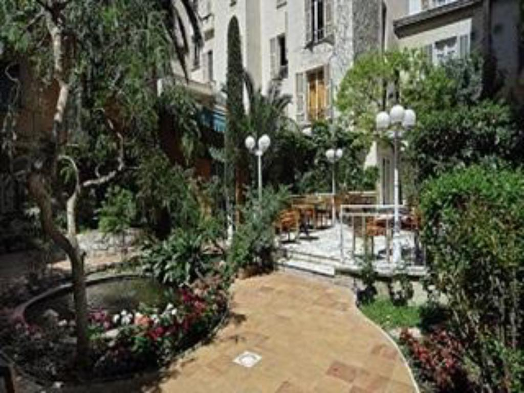 Surrounding environment Hotel Nice Excelsior Chateaux & Hotels Collection