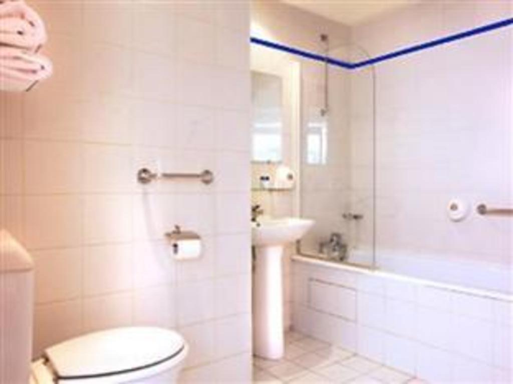 Hotel De La Paix Montparnasse Best Price On Hotel Montparnasse Daguerre In Paris Reviews
