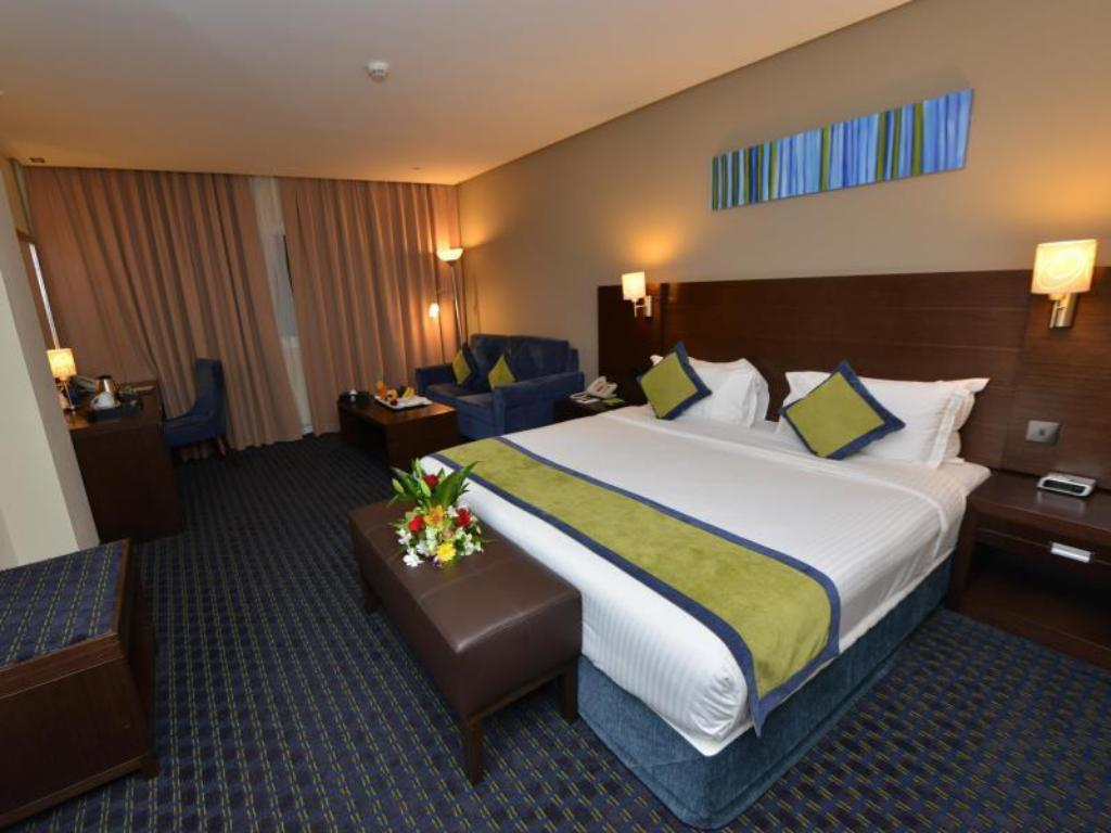 Superior Twin City View - Guestroom Best Western Premier Muscat