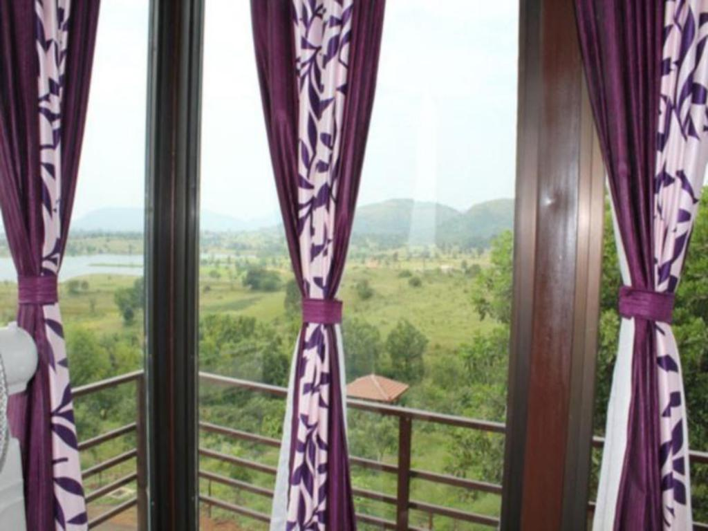 balkon/terasa Jenjon Holiday Homes Igatpuri