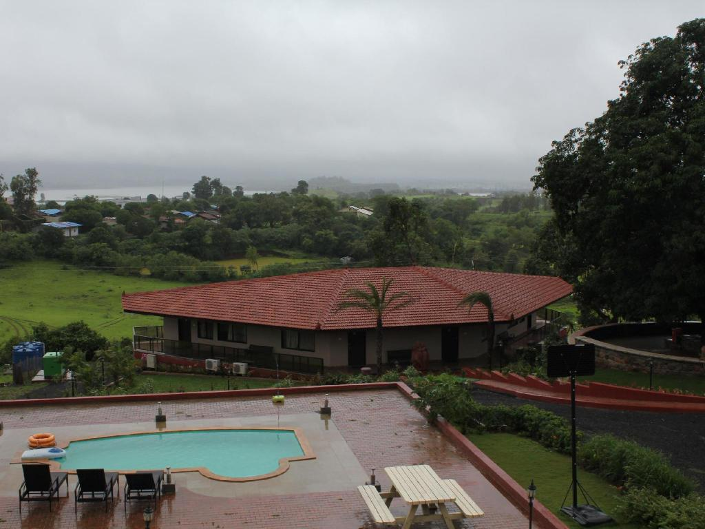 Bazén Jenjon Holiday Homes Igatpuri
