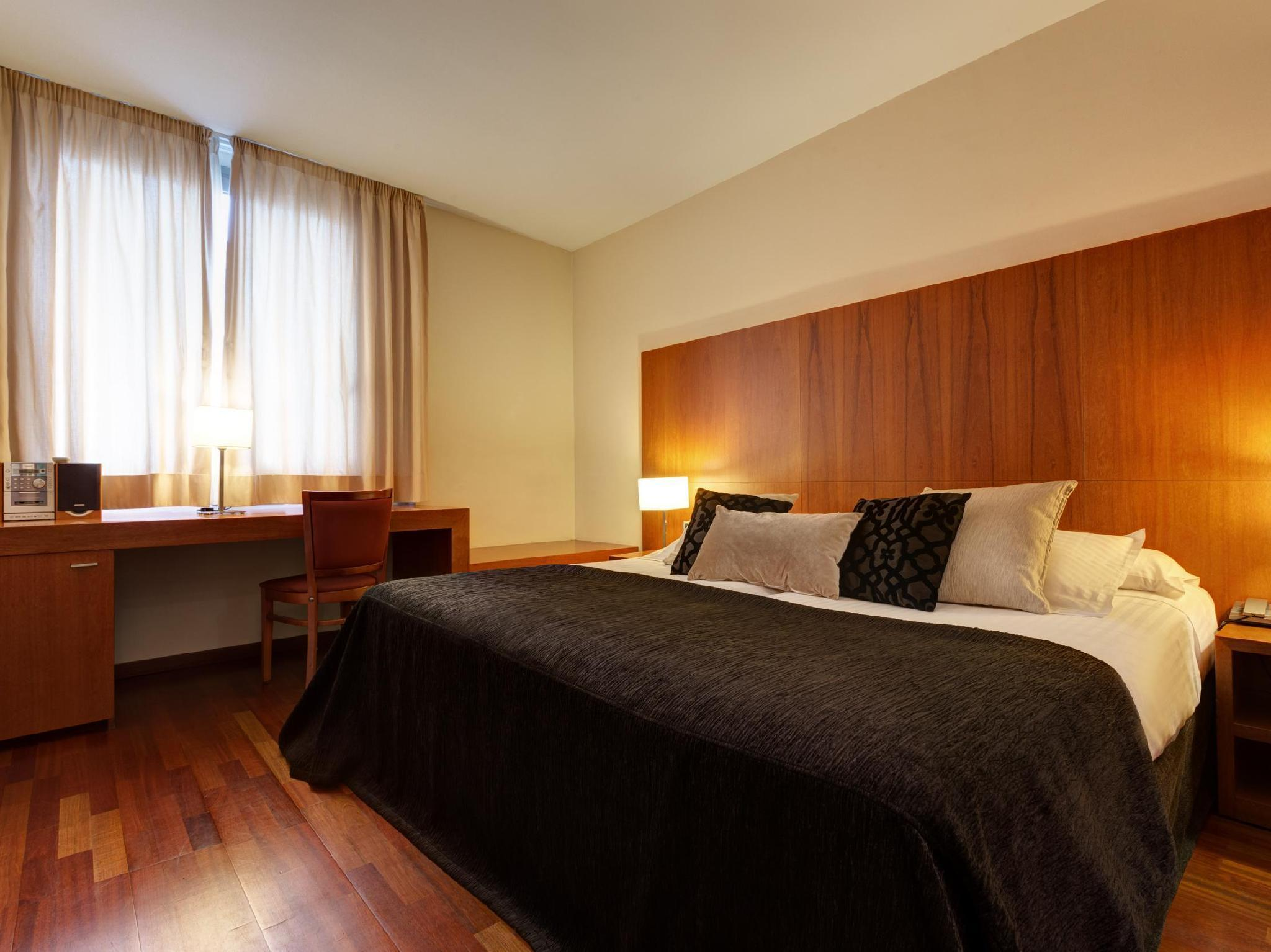 Superior Deluxe Double Room (1 Adult)