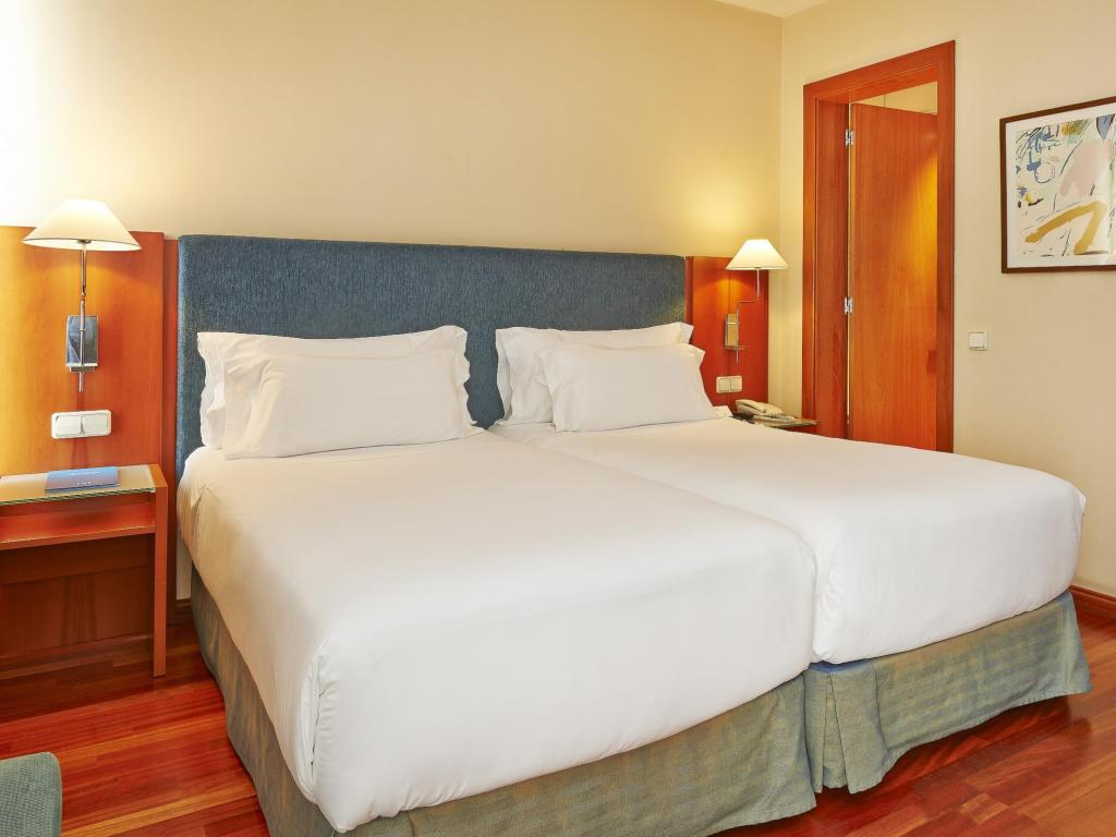 Standard Room - Guestroom NH Barcelona Centro
