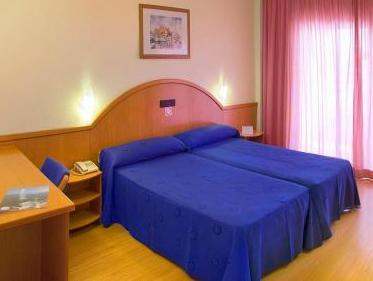 Twin eller dobbeltrom (2 voksne, 1 barn) (Double or Twin Room (2 Adults + 1 Child))