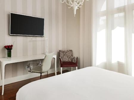 Premium Room NH Collection Abascal