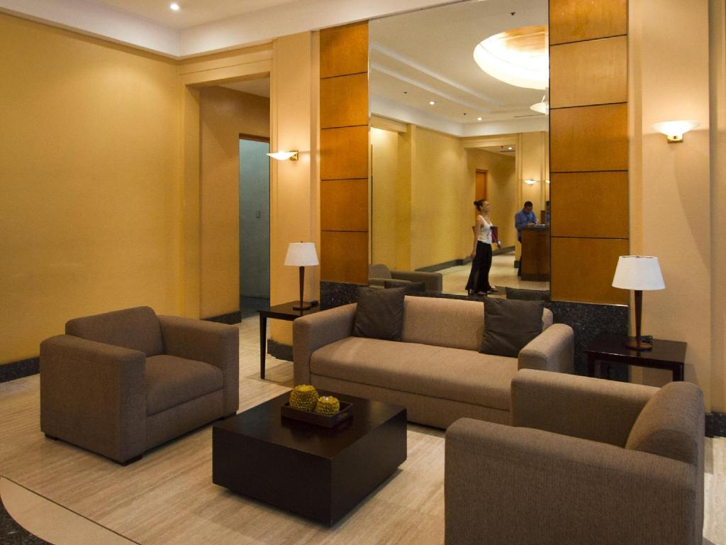 Empfangshalle MCH Suites at Robinson's Place