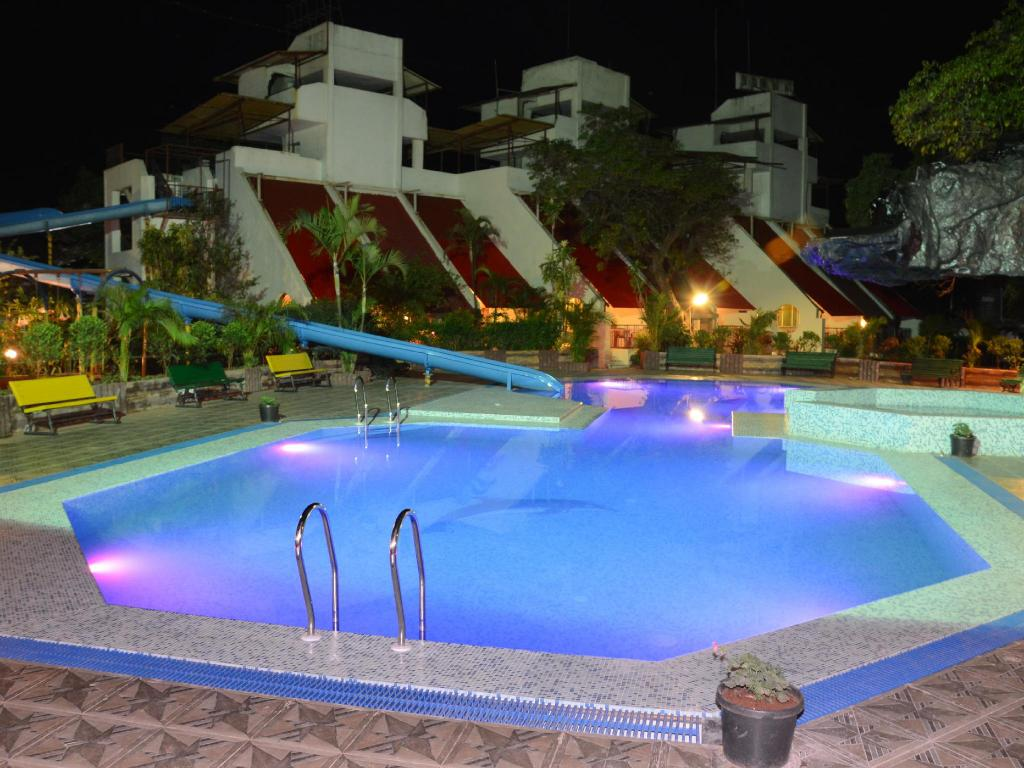Swimming pool Shanti Villa Mahabaleshwar