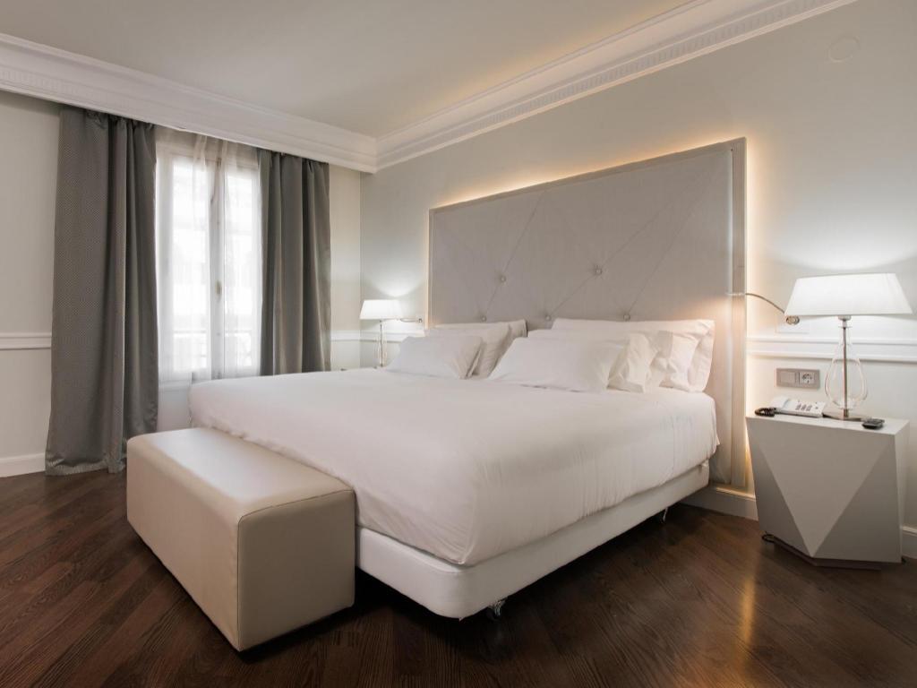 NH Collection Gran Hotel de Zaragoza in Spain - Room Deals, Photos ...