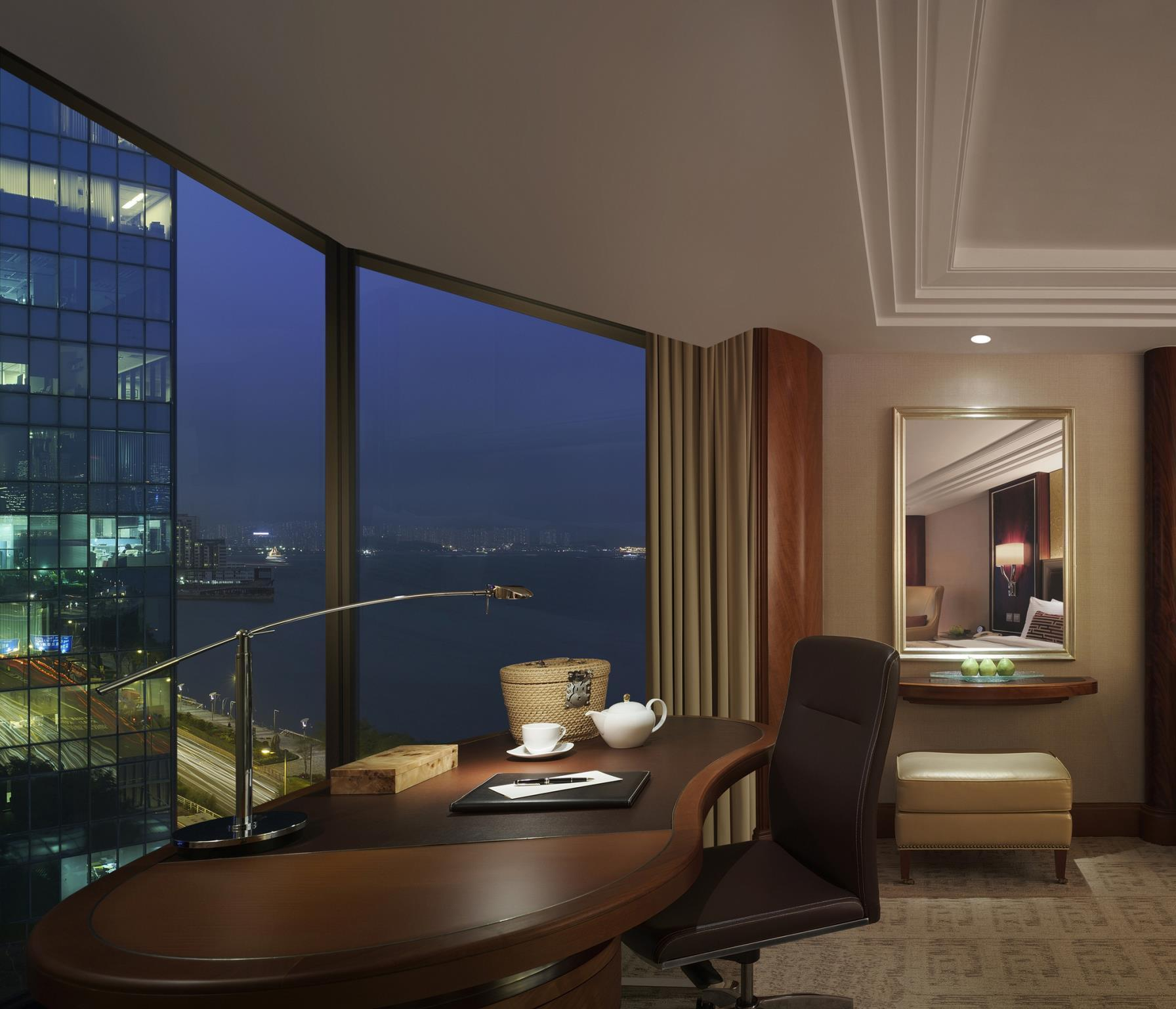 Kamar Horizon dengan Pemandangan Pelabuhan (Horizon Side Harbour View Room)