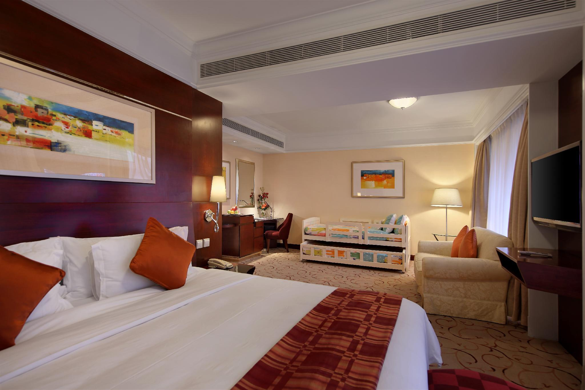 Royal Macau Family Suite for 2 Adults and 2 Children