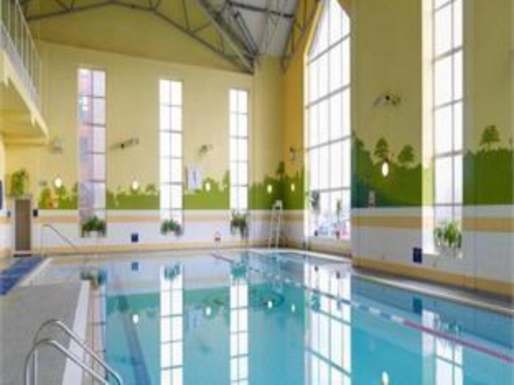 Swimming pool Maldron Hotel & Leisure Centre, Oranmore Galway
