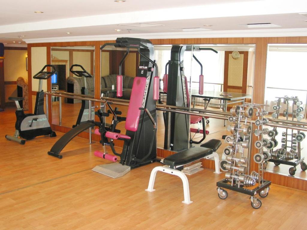 Fitness center Dalian Golden Shine International Hotel
