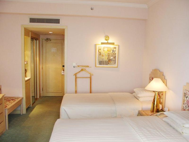 Standard room with 1 double bed or 2 single beds
