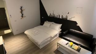 Chill Space Grey Studio Apartment