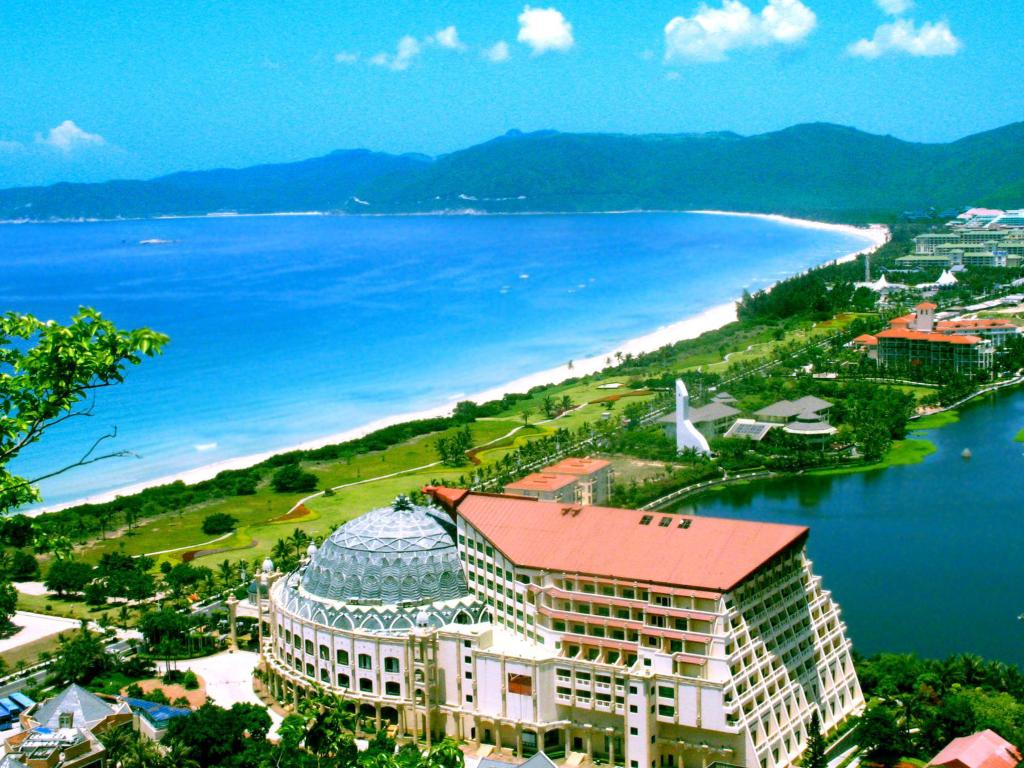 Yalong Bay Universal Resort