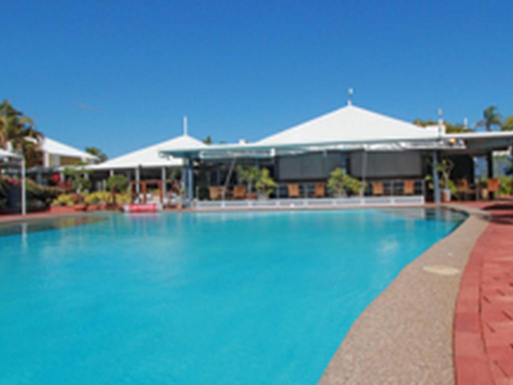 Best price on dolphin heads resort in mackay reviews for Poole dolphin swimming pool prices